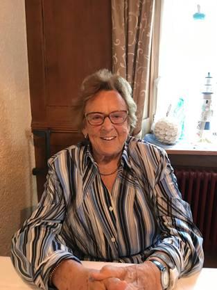 Liebes Mami und Grosi, Ganz herzliche Gratulation zu Deinem 90. Geburtstag. Wir wünschen Dir von ganzem Herzen allerbeste Gesundheit, Zufriedenheit und noch viele glückliche & wunderschöne Lebensjahre.  Alles Liebe, Deine Kinder und Familie