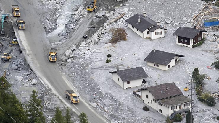 Der Bergsturz oberhalb von Bondo im Bergell löste eine grosse Wellt der Solidarität mit den Geschädigten aus, wie ein Zwischenbericht über die Verwendung von Spendengeldern zeigt (Archivbild).