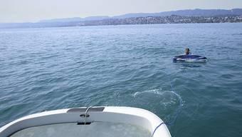 Wassersportler können unbemerkt gebietsfremde Arten von einem Gewässer in ein anderes einschleppen. Eine Plakataktion im Kanton Zürich will für das Problem sensibilisieren. (Archivbild)