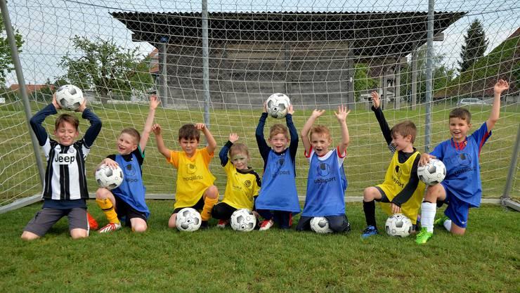 Die ersten Junioren des neu gegründeten FC Schnottwil-Limpachtal.