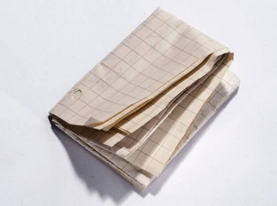 Nach siebenmal Zusammenfalten ist ein Blatt Papier bereits mehr als einen Zentimeter dick.