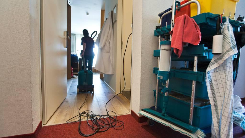 Ausbeutung von Putzfrauen – drei Personen in U-Haft