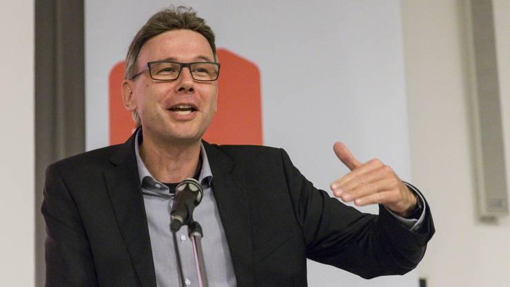 Dieter Egli ergreift das Wort am Parteitag der SP 2018.