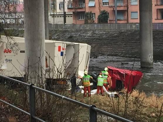 Einsatzkräfte vor Ort in Zürich-Brunau