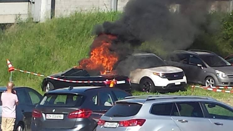 Brennendes Audi am Fischessen-Parkplatz Sonntag 2. Juni in Killwangen