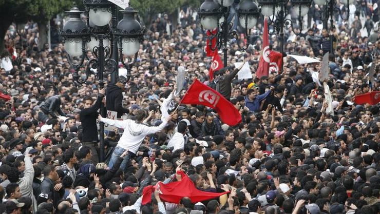 Arabischer Frühling: Massenproteste in Tunis im Januar 2011 gegen den später gestürzten tunesischen Präsidenten Zine El Abidine Ben Ali (Archiv).