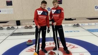 Maximilian Winz (l.) und Jan Iseli (r.) trainieren in der Tissot Arena in Biel hart für ihre hochgesteckten Ziele.