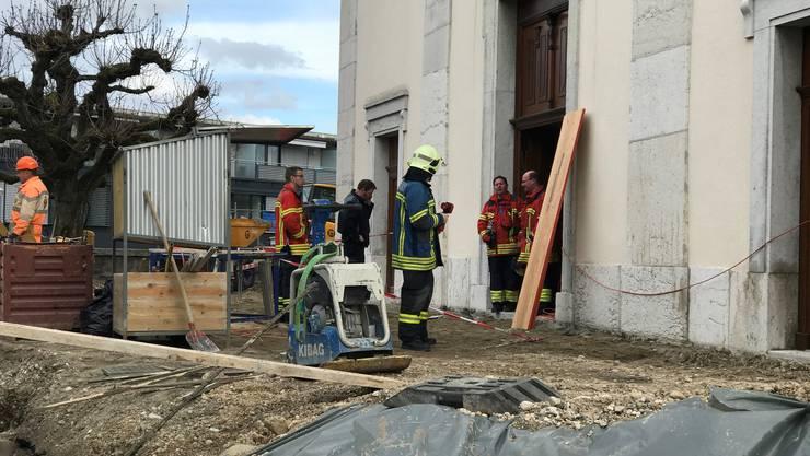 Brandanschlag in Eusebiuskirche: Die Feuerwehr und Polizei vor Ort.