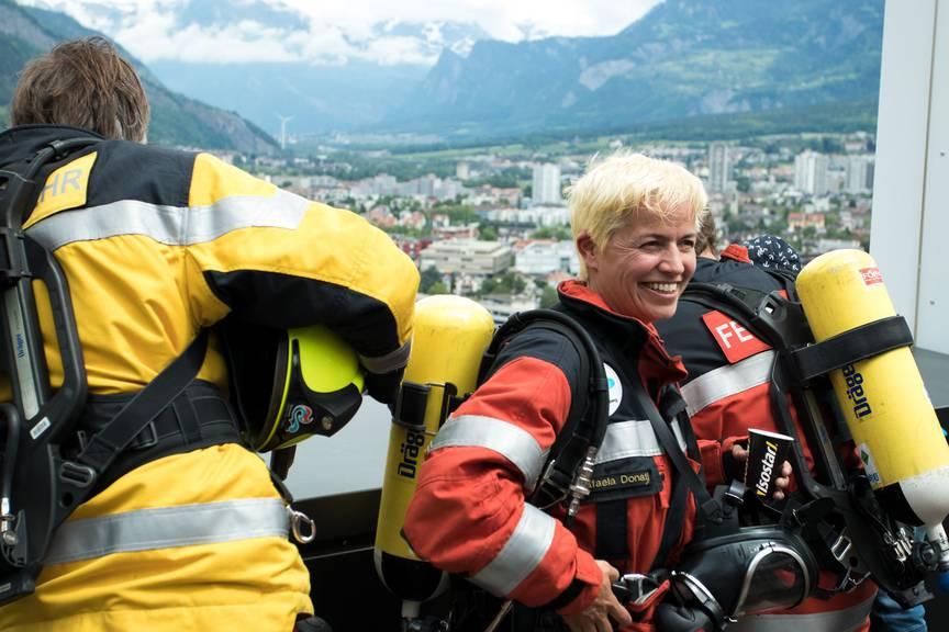 Nach dem Rennen konnten die Feuerwehrleute letztes Jahr den Blick auf Chur geniessen. (Bild: zVg)