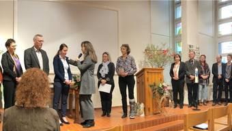 Stefanie Schmid (3. v.l.) ist neue Pfarrerin in Magden.
