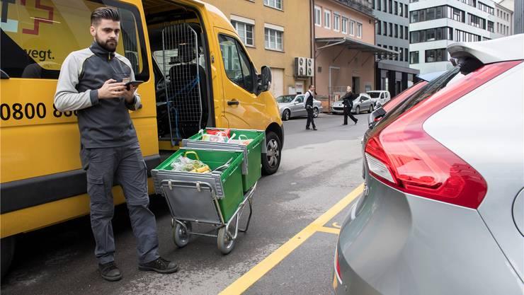 Volvo, LeShop.ch und die Post bieten einen neuen Dienst an.MARCEL BIERI/Keystone
