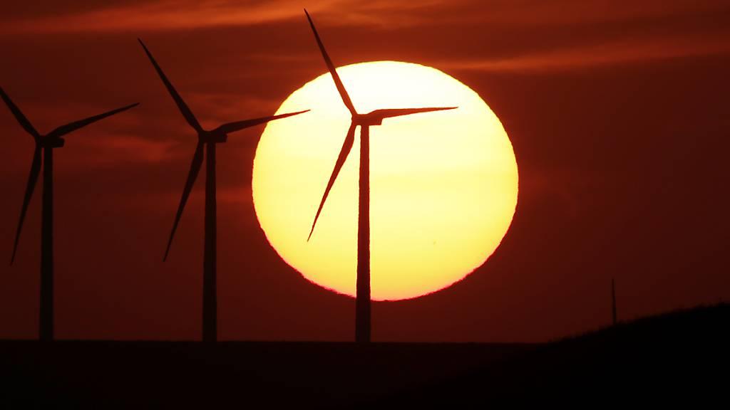 US-Präsident Joe Biden will die Investitionen in Windenergie massiv ausbauen. (Archivbild)
