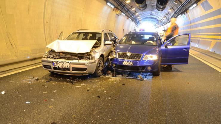 Wegen eines Pannenfahrzeugs kam es auf der Autobahn A2 eingangs Arisdorftunnel zu einem Verkehrsunfall.