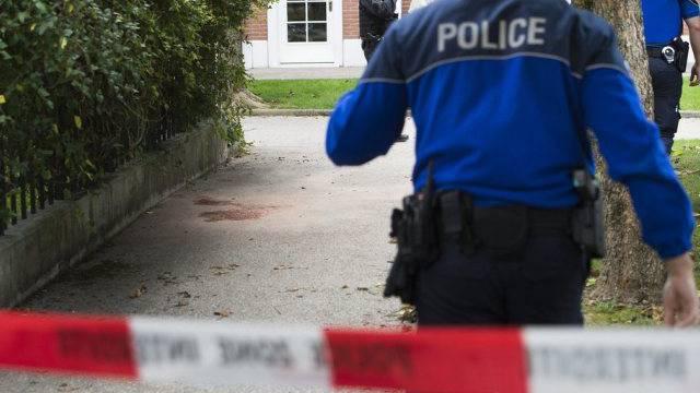 Polizisten in der Genfer Gemeinde Veyrier
