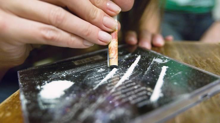 Kokain-Dealer veranstalten eine Messerstecherei. (Symbolbild)