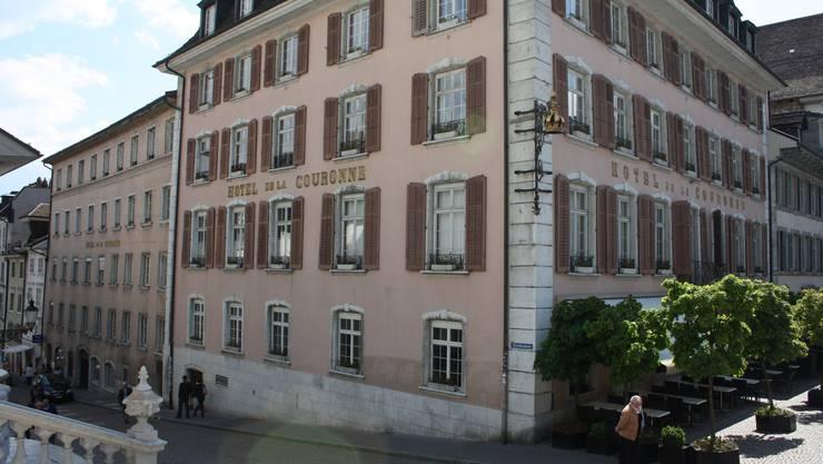 Das barocke Eckhaus von 1772 und im Hintergrund der Leisttrakt mit älteren Bauelementen