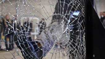 Die jugendlichen Täter verursachten einen hohen Sachschaden (Symbolbild)