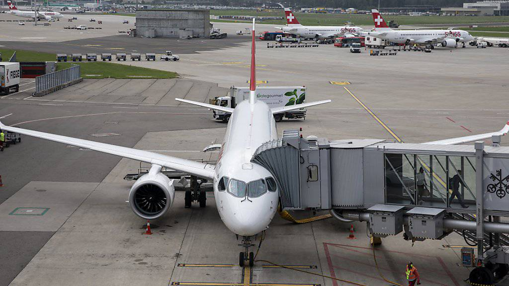 Der Flughafen Zürich hat im Oktober erneut einen Passagierzuwachs verzeichnet. (Archivbild)