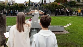 Einweihung Brunnen Friedhof Günsberg