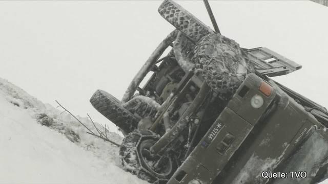 Unfall mit Armee-Duro: Aufnahmen vom Unfallort