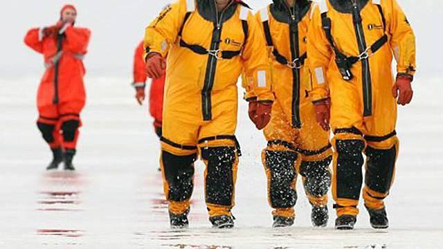 Rettungskräfte nach dem Einsatz