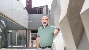 Rektor Paul Zübli bei der neuen Dreifachsporthalle: «Auch wegen dieser Halle drängt sich ein Ausbau auf.»