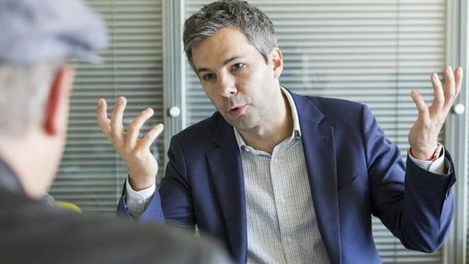 """Epidemiologe Marcel Salathé schlägt gemeinsam mit anderen Wissenschaftern vor, dass die Schweiz in der Corona-Krise die Methode """"Test-Isolate-Quarantine"""" anwenden soll. (Archivbild)"""