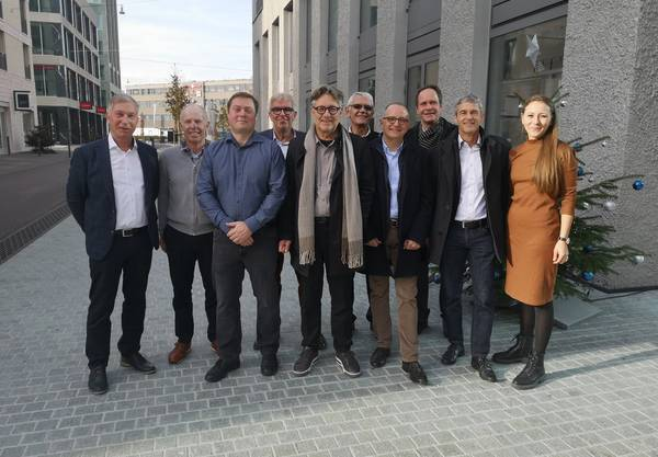 Vertreter von Stadtrat und Pro-Komitee.