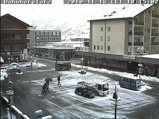 In Zermatt sind die wichtigsten Strassen bereits geräumt.