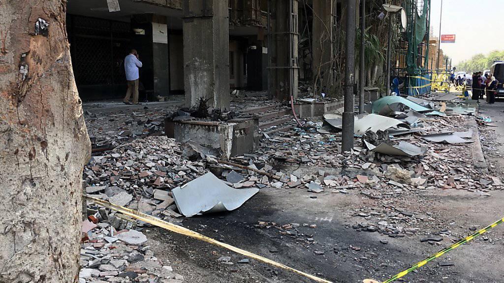 Zerstörung nach dem Anschlag in Kairo.