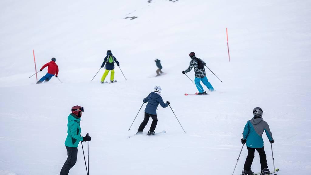 Einige Skigebiete wehren sich gegen verfrühtes Saisonende: «Das ist illegal und hat vielleicht auch Konsequenzen»