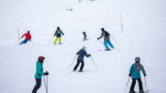 Im Skigebiet Titlis bei Engelberg soll noch bis nach Ostern gefahren werden können.