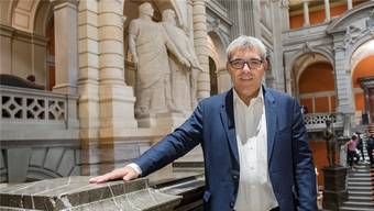 Symbolträchtig: SP-Nationalrat Eric Nussbaumer wählte als Bildsujet die Eingangshalle des Bundeshauses mit den drei Eidgenossen.