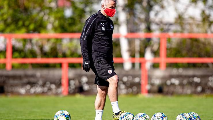 In Tschechien beginnt der Spielbetrieb am 23.  Mai wieder. Im Bild Slavia Prags Fitnesstrainer Martin Trasak bei einem Trainings des Teams am 20. April