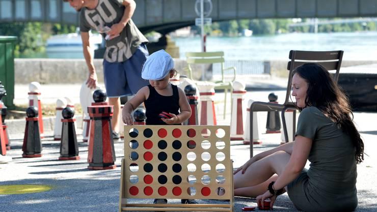 Mit Spielen für jung und alt soll der Postplatz in den kommenden Wochen zum «Potzplatz» werden.