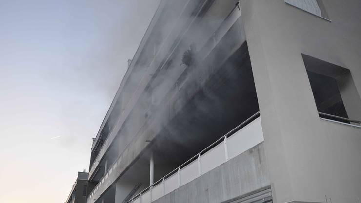 Hoher Sachschaden nach Wohnungsbrand in Esslingen. (Symbolbild)