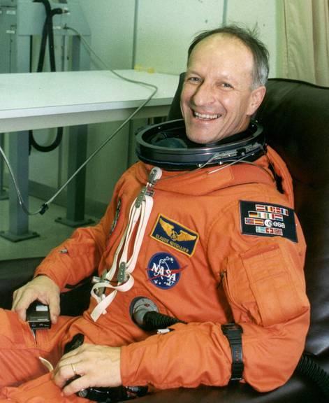 Claude Nicollier im Kennedy Space Center in Florida kurz vor seinem ersten Flug ins All