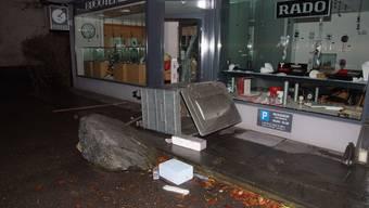 Der Verurteilte verübte 14 Rammbock-Einbrüche in der Region (Foto: Einbruch in eine Bjouterie in Gelterkinden).