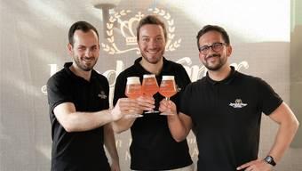 Die drei Braumeister vom Bier aus dem Leimental (von links): Dominik Neff, Raphael Stöckli und Luca Siciliano.