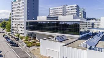 Der neue Innovationscampus der Bühler Group in Uzwil schlägt eine Brücke zwischen den bestehenden Fabrikgebäuden und den modernisierten Anwendungslabors.