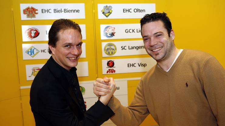 Peter Rötheli und Daniel Villard (Geschäftsführer EHC Biel) anlässlich vom Playoff-Auswahlverfahren im Jahr 2008, als Peter Rötheli erst zwei Jahre im Amt war.