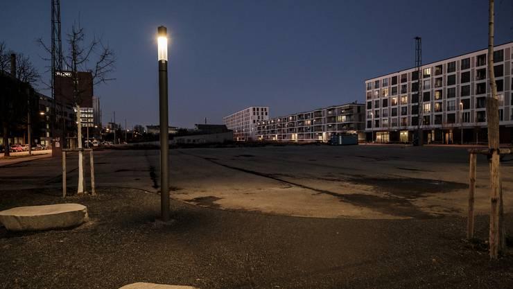 Wer im Erlenmatt-Quartier wohnt, muss nachts auf dem Heimweg dunkle und menschenleere Plätze durchqueren.
