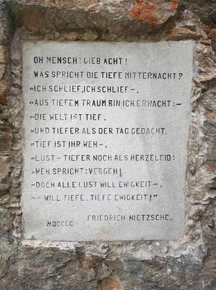 Inschrift auf der Halbinsel Chastè, aus dem Buch «Also sprach Zarathustra».