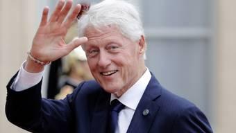 Fit wie ein Turnschuh: Der frühere US-Präsident Bill Clinton hat dank seiner Frau das Joggen entdeckt.