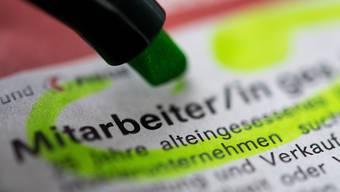 Die Zahl der Stellenausschreibungen in der Schweiz stagnieren im vierten Quartal. (Archiv)