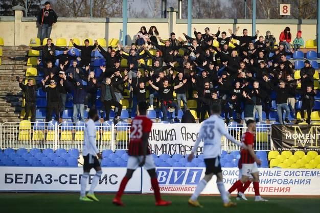 Während Europas Ligen weitestgehend still standen, ging Fussball in Weissrussland weiter, wie hier am 27. März. Allerdings besuchten deutlich weniger Fans die Stadien.