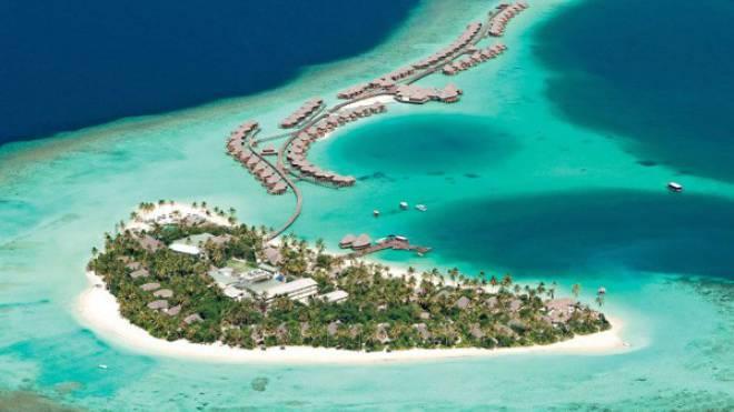 Die liebevoll gestaltete Insel beeindruckt mit dem längsten Jetty (Steg) der Region und begeistert mit ihrem charmanten Design sowie hervorragender Ausstattung.