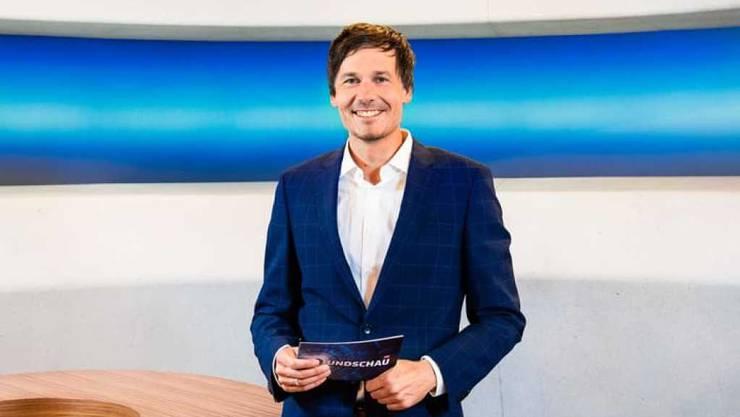"""""""Rundschau""""-Hauptmoderator Dominik Meier ist im Ausland und konnte am 2. Oktober deshalb nicht für seine nach einem Velounfall krankgeschriebene Ersatzfrau einspringen."""