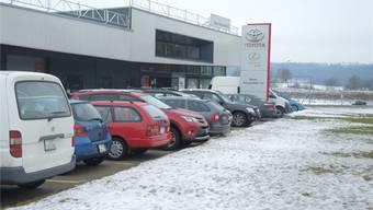 Vor sechs Jahren zog die Garage in den Neubau in Dättwil. Bauer: «Ich dachte, dass dieser Standort unsere Zukunft sichern würde.»PKR
