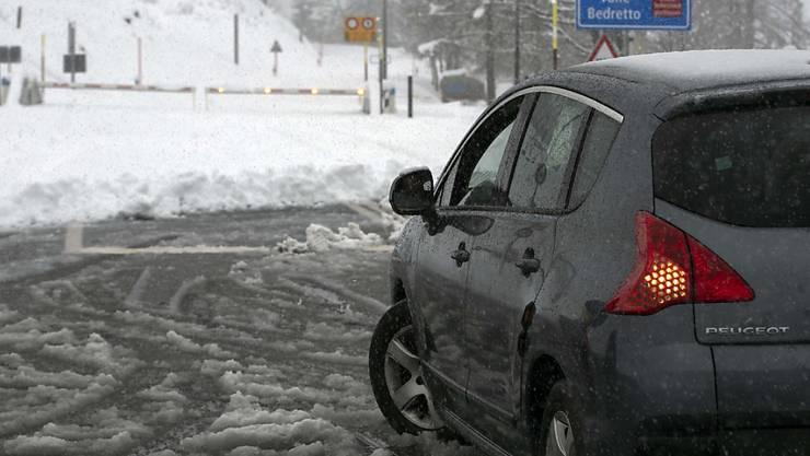 Der Nufenenpass ist einer der gesperrten Verkehrswege. (Symbolbild)
